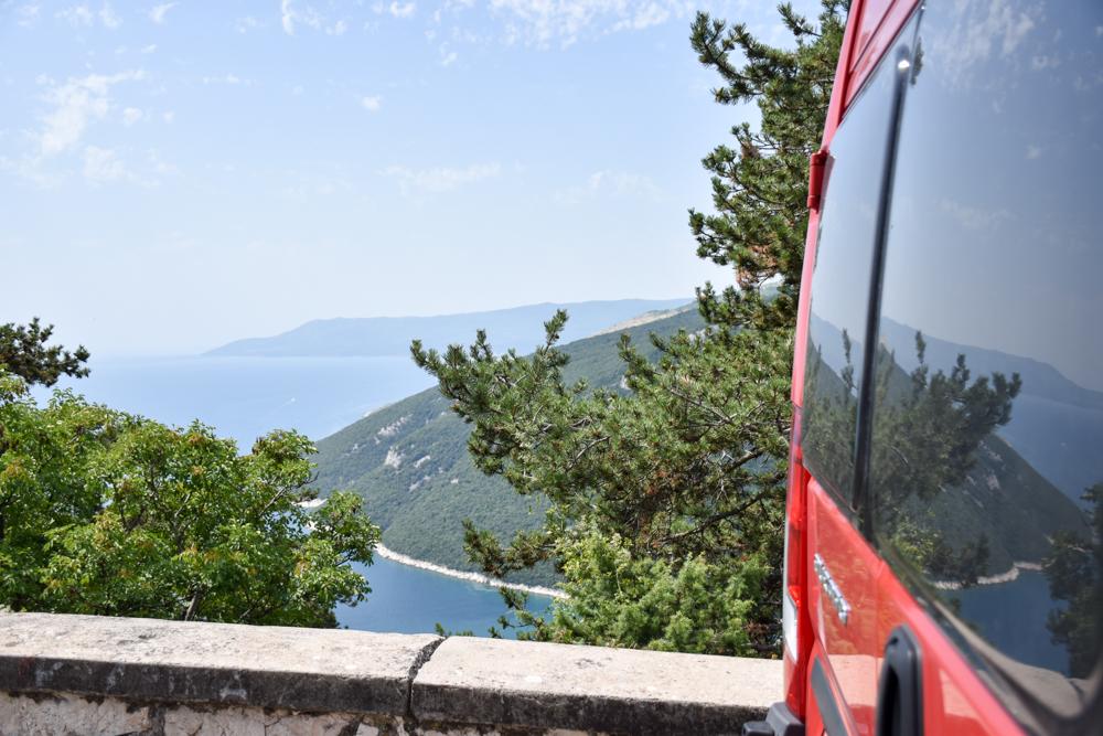 Camping Rundreise Kroatien Familie Aussicht auf dem Roadtrip