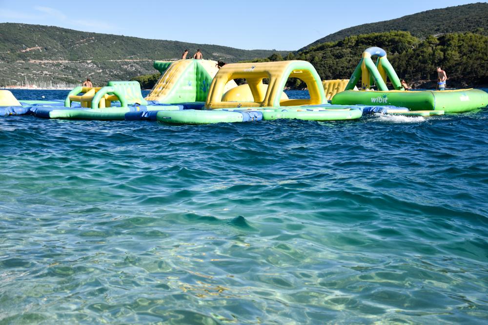 Camping Rundreise Kroatien Familie Camping Kovacine Cres Wasserpark