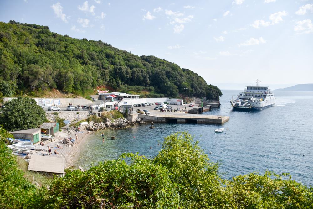 Camping Rundreise Kroatien Familie Fähre Brestova Istrien Cres