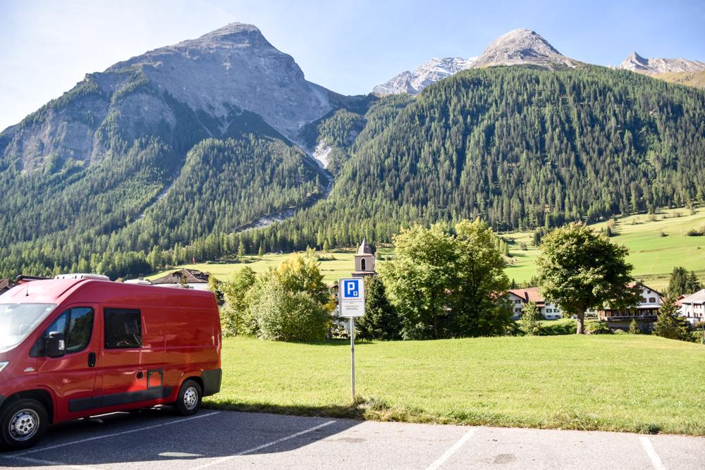 Ausflugstipp Bergün Graubünden Schweiz Parplatz Bahnhof Bergün