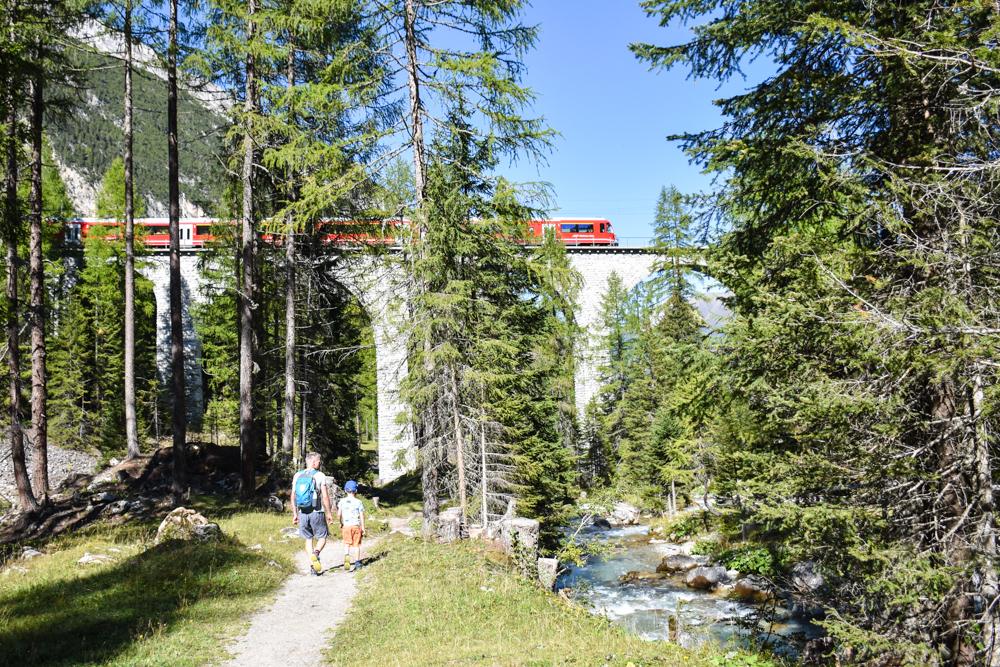 Ausflugstipp Bergün Graubünden Schweiz Wanderung Bahnerlebnisweg Preda Bergün